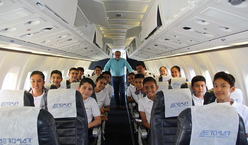 Viajan alumnos ganadores de la Olimpiada del Conocimiento