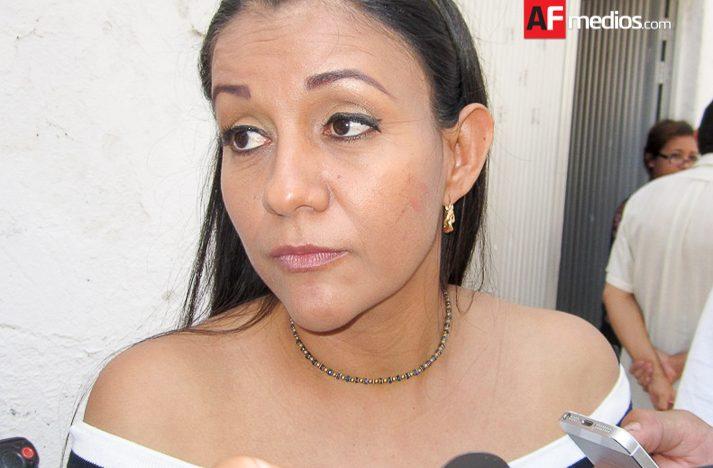 Mi fidelidad al PAN no está en duda: <b>Gabriela Benavides</b> - gabriela_benavides_cobos_manzanillo1-713x468