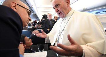 """El Papa Francisco pide esperar a """"ver qué pasa"""" con Trump"""