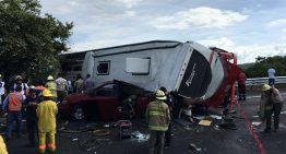 Choque de autobús deja 55 heridos; cierran autopista Zapotlanejo-Guadalajara