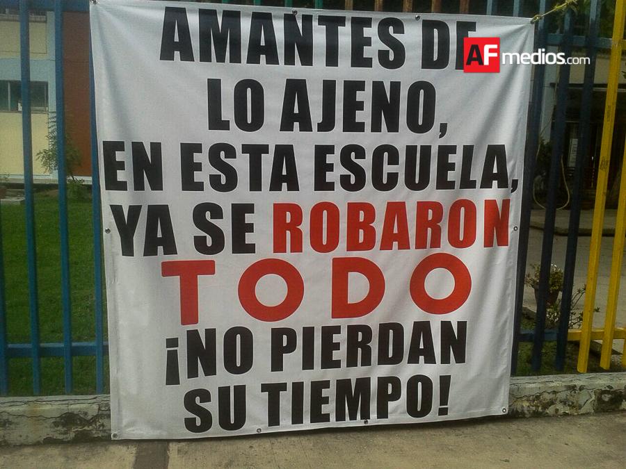 escuela_avisa_a_ladrones_manzanillo_2