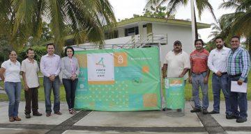 Entrega Alicia López Puntos Verdes en las delegaciones universitarias