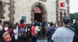 Pueblo de Janamuato se vuelca en llanto al despedirse de su párroco