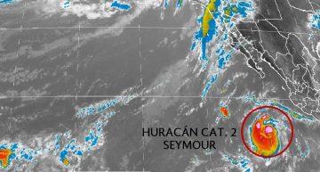 Seymour ya es huracán categoría II, alejándose de costas colimenses
