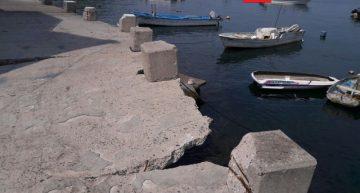 En malas condiciones, muelle del mercado de pescadores en Manzanillo