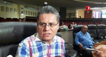 """Hasta 3 años de cárcel por obligar las """"cuotas"""" escolares, proponen independientes"""