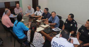 Unidades que transportan a docentes irán a verificación a SCT Colima