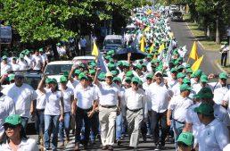 Con marcha, 3 mil universitarios festejan 36 años del SUTUC