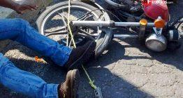 Urbano atropella a motociclista en Fondeport Manzanillo