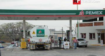 Magna sube dos centavos y Premium baja tres en Colima