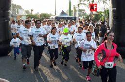 700 personas participan en carrera por la paz, en el Tívoli