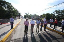 Gobierno del estado entrega puente de la calle José Antonio Díaz