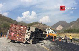 Accidente en La Salada paraliza tráfico dirección Colima – Tecomán