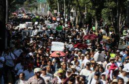 Marchan en Guadalajara contra gasolinazo, buscan recaudar 120 mil firmas