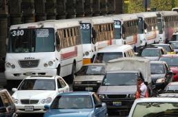 45 rutas de transporte en Gdl hacen paro por gasolinazo