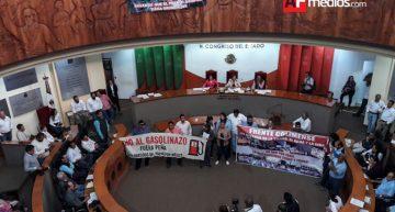 Ciudadanos protestan y exigen a diputados emitir exhorto contra gasolinazos