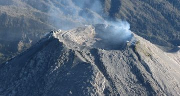 Volcán registra disminución en su actividad; se mantiene exclusión a 8km del cráter: PC