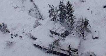 Una avalancha sepulta un hotel italiano, se teme que haya muchos muertos o heridos