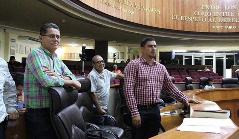 Independientes proponen eliminar entrega de gasolina a legisladores