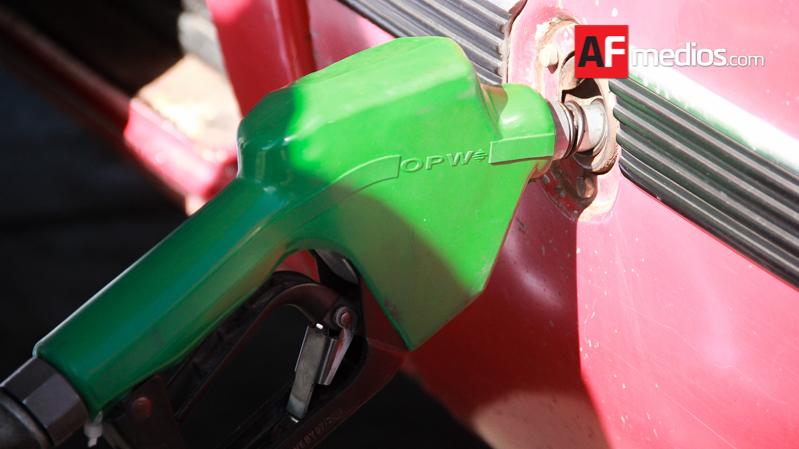 Usuario de gasolinera en Av. San Fernando denuncia abuso