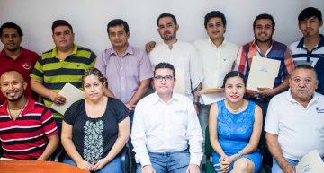 Ayuntamiento de Manzanillo entrega  apoyos para proyectos culturales