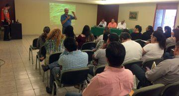 PC informa a directores de escuela sobre actividad de Volcán de Colima