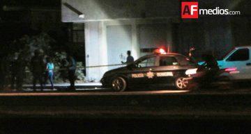 Encuentran cuerpos decapitados en taxi abandonado