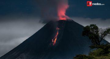 Nueva explosión del Volcán de Colima supera los dos kilómetros