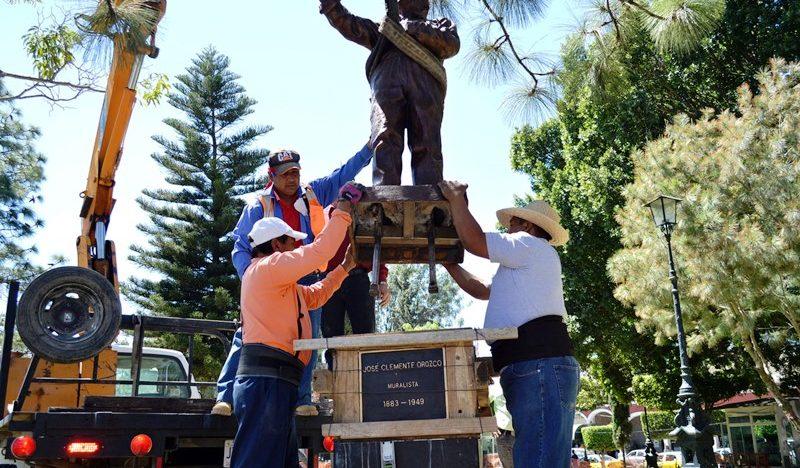 Reubican escultura del muralista José Clemente Orozco