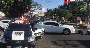 Disparan a uno frente al IMSS en Colima, muere minutos después