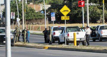 Disparan contra Judiciales en Manzanillo, uno grave y otro muere