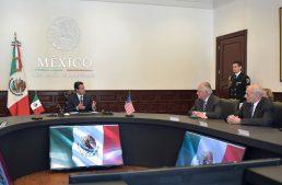 Peña Nieto dialoga con secretarios de Estados Unidos