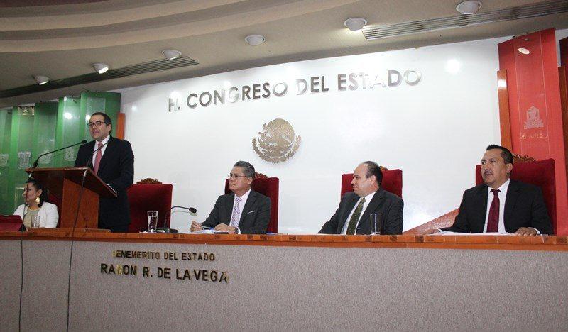 Ante amenazas externas, llama Gobernador a atender los principios constitucionales