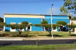 Ley prohibe pintar con colores y símbolos de partidos edificios municipales
