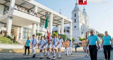 En Cihuatlán 500 personas participan en centenario de la Constitución de 1917