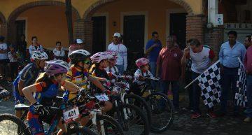 Primera etapa de ciclismo de montaña en Suchitlán