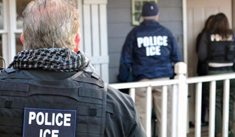 Agencia anti migrantes arrestó a 680 personas de EU