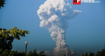 Explosión en Volcán de Colima de 4 km de altura