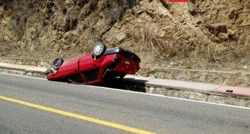 UMPC atendió volcadura en la bajada del arco de Talpa