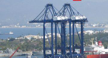 Dos grúas de pórtico arriban al puerto de Manzanillo; inversión de 18 MDD