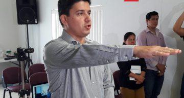 IEE nombra a Óscar Espinoza como nuevo secretario