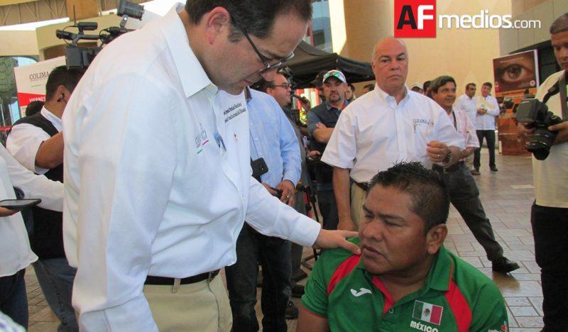Atleta paralímpico sufre robo de 182 medallas en Colima