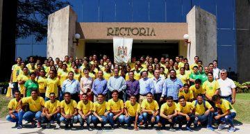 Abandera rector a delegación Lora rumbo al regional universitario 2017