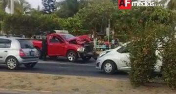 Conductor que provoca a otro, es perseguido y baleado en Mzllo, choca al huir