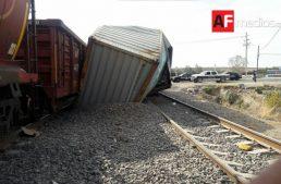 Choque entre tren y trailer deja pérdidas materiales