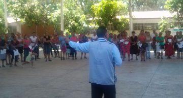 PGR orienta a padres de familia en Tecomán para detectar consumo de droga en hijos
