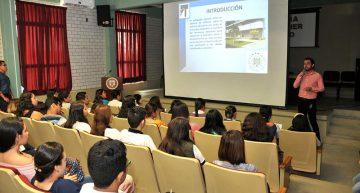 Recibe UdeC aspirantes interesados en las carreras de Filosofía y Pedagogía, en Villa de Álvarez
