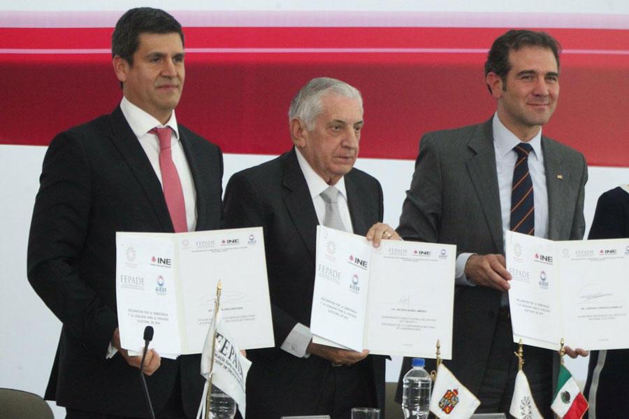 Organismos electorales y gobernadores comprometen elecciones en paz y sin injerencia