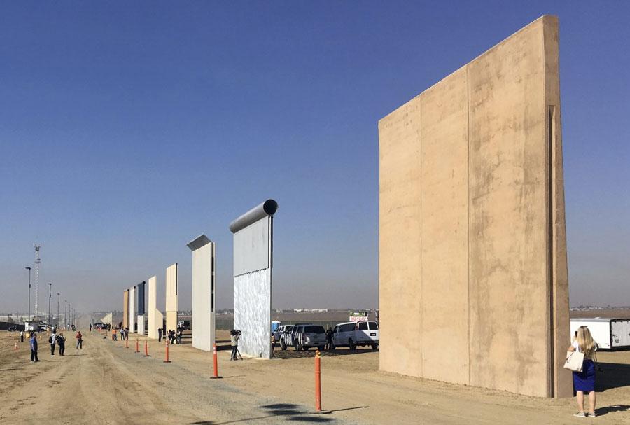 Comenzó la construcción del muro y Trump mostró orgulloso las primeras fotos