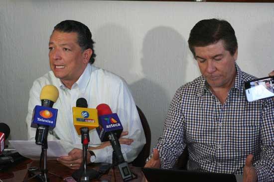 Foto: Edgardo Zamora /AFmedios   El secretario general de Gobierno, Rogelio Rueda y el coordinador de Comunicación Social, René González